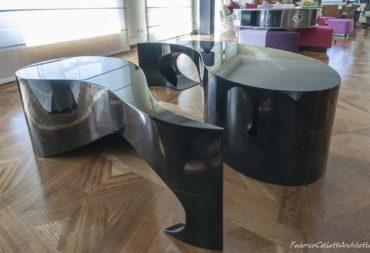 Tavolino moby dick nero laccato-8