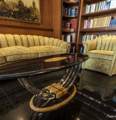 tavolino da salotto in marmo e plexiglass ellisse-2