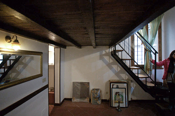 Spazio Interno e Soppalco in legno Urbana 120 Prima dei lavori di Restauro e Interior Design