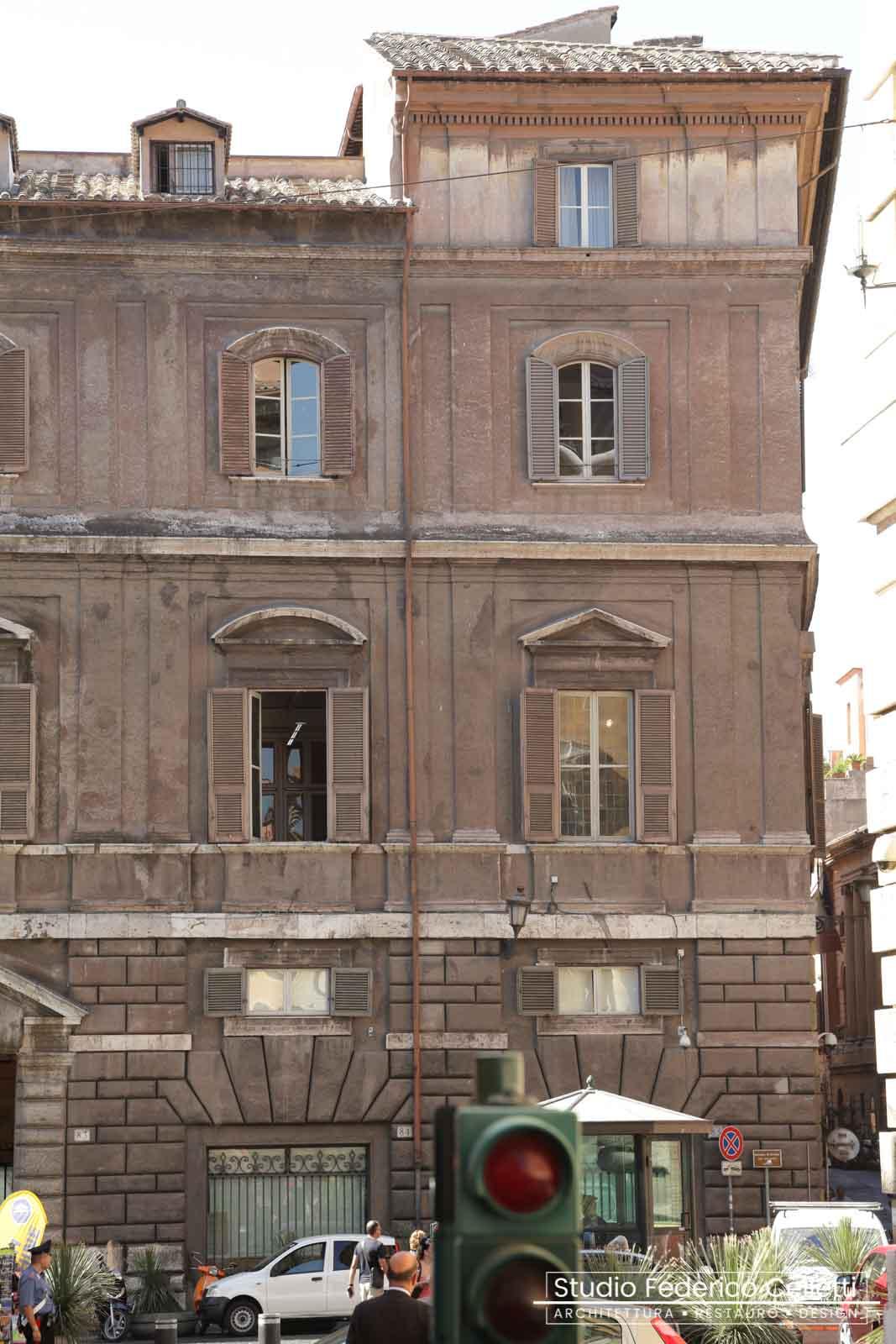 Facciata piazza S.Eustachio prima del Restauro