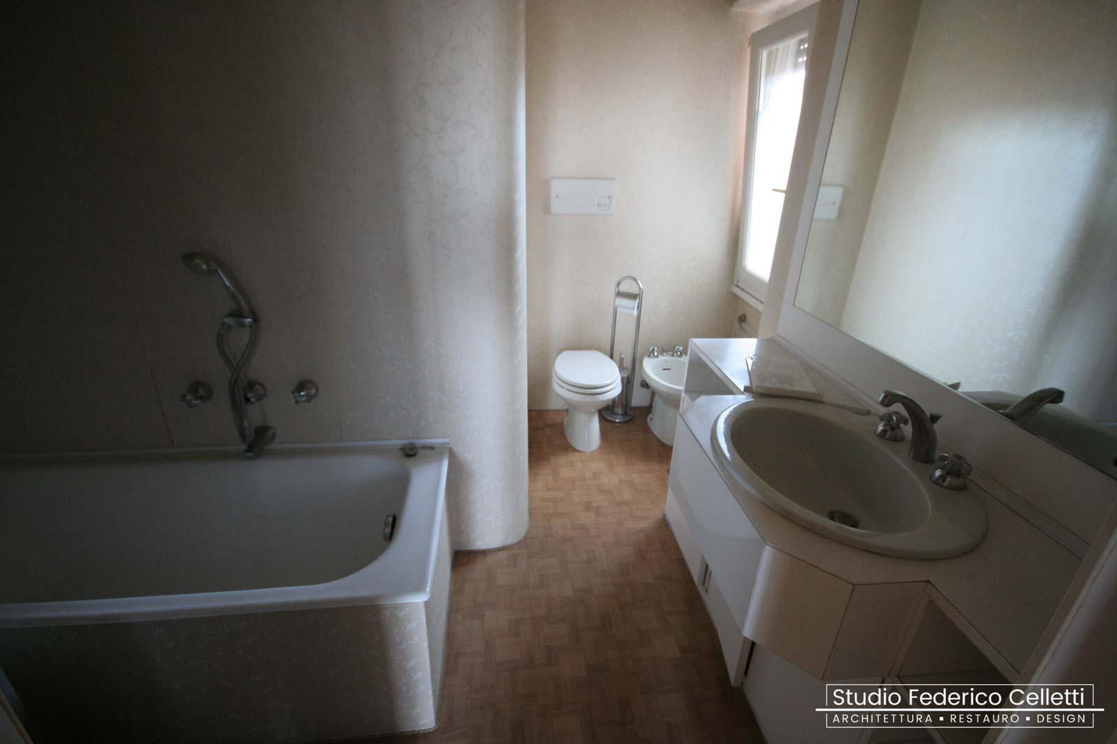 Bagno Padronale Attico A+C Prima dei lavori di Restauro e Interior Design 01