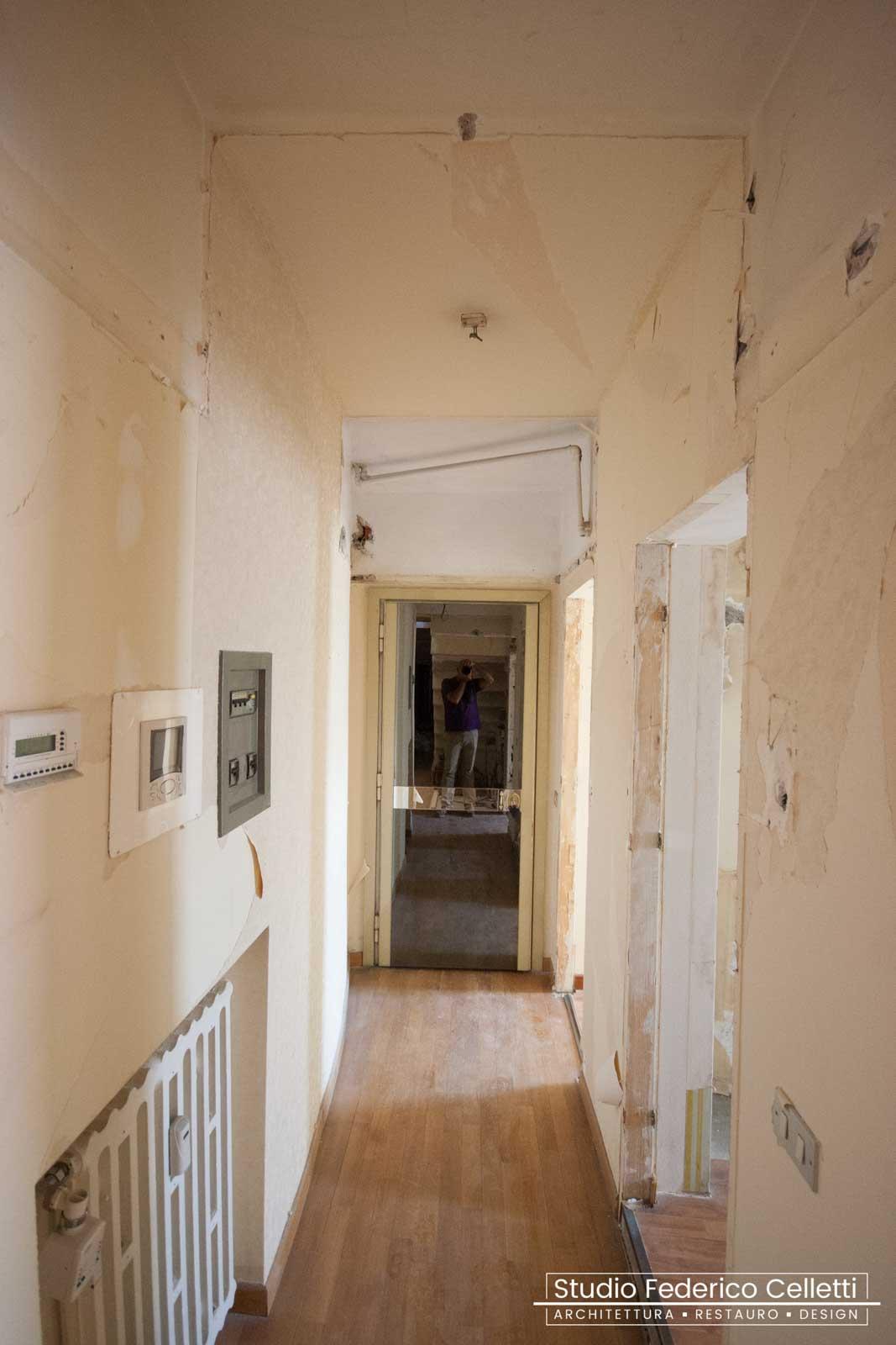 Corridoio Attico A+C Prima dei lavori di Restauro e Interior Design 01