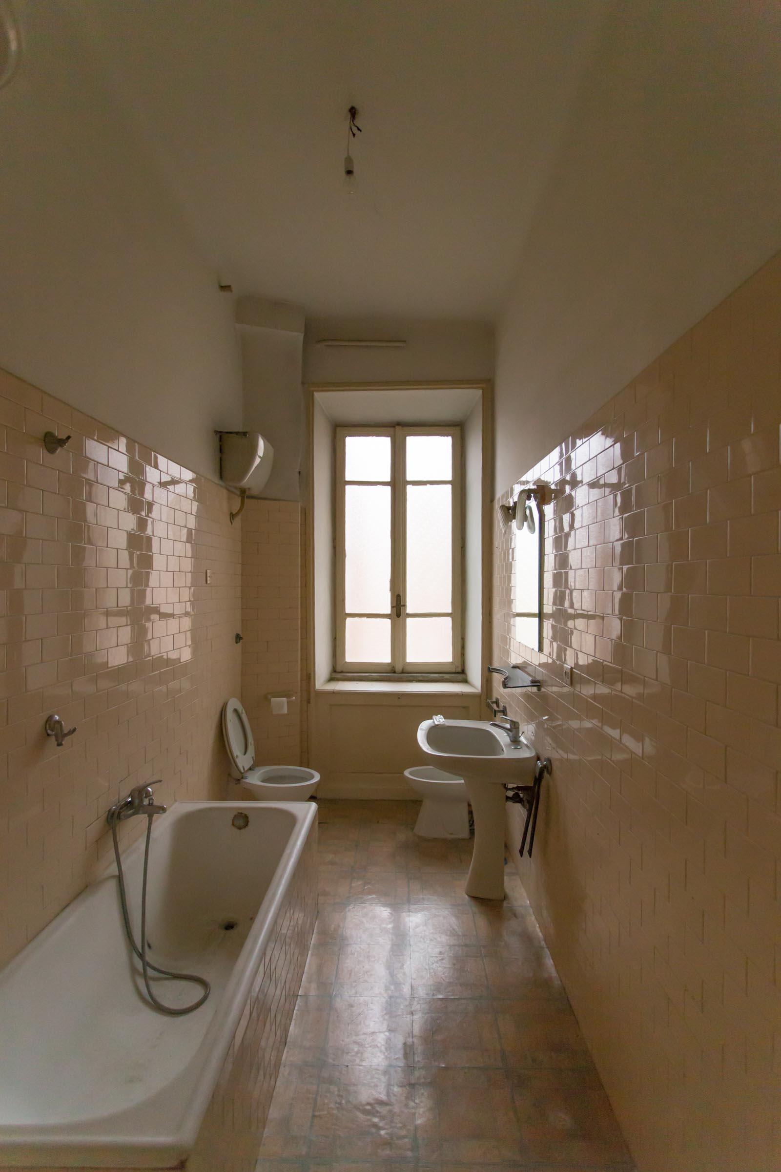 Bagno Casa-N Prima dei lavori di Restauro e Interior Design