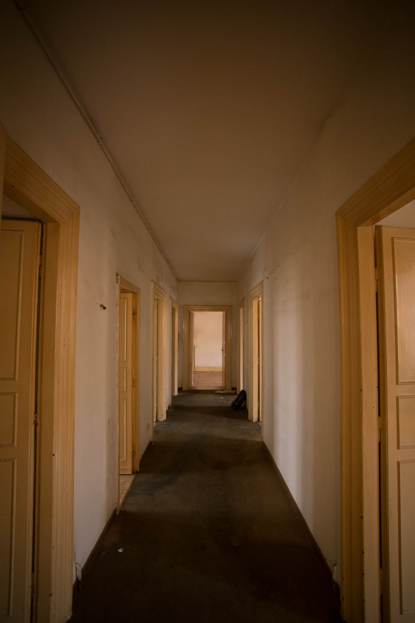 Corridoio Casa N Prima dei lavori di Restauro e Interior Design