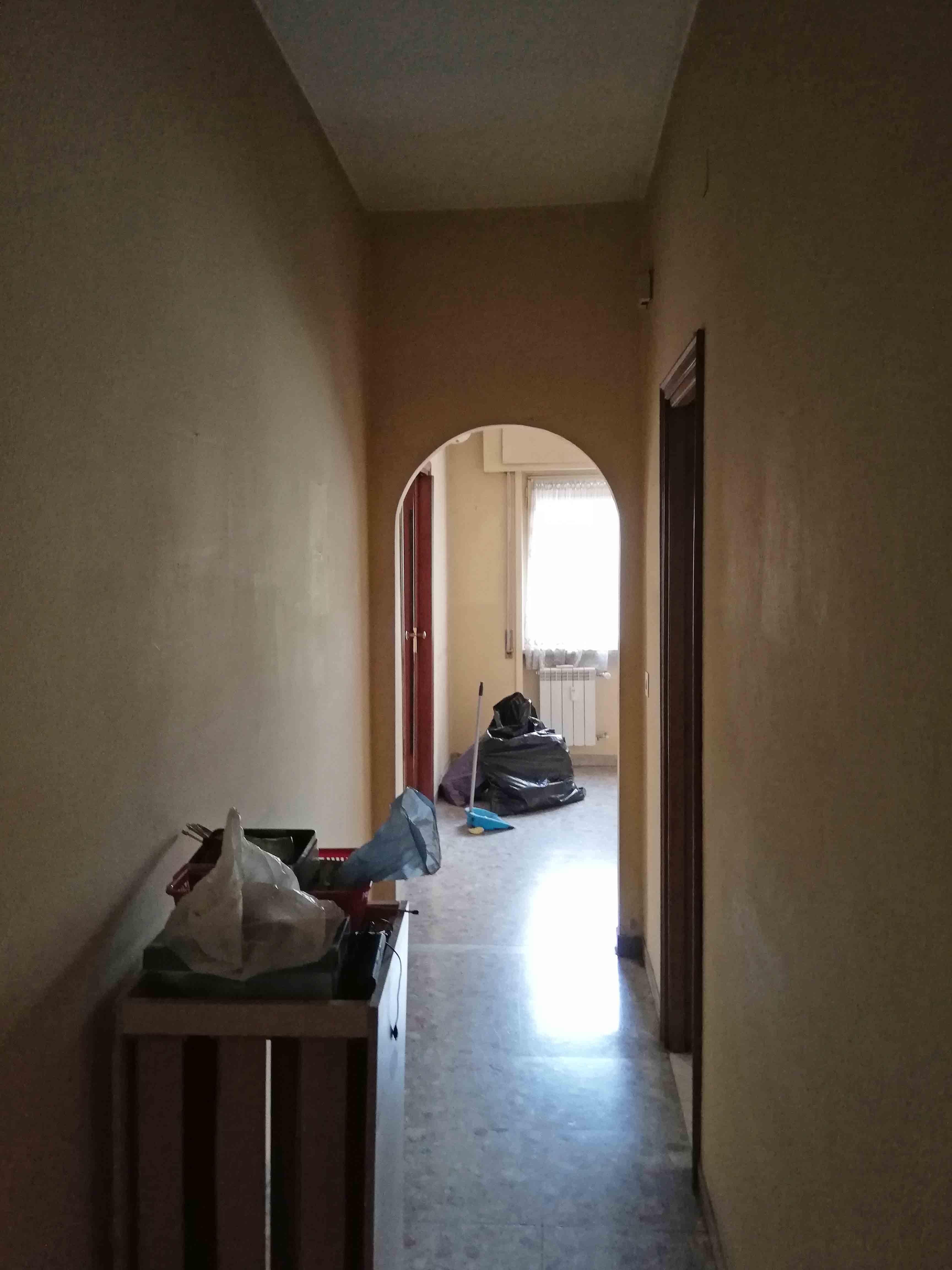Controcampo Corridoio Penguin House Prima dei lavori di Restauro e Interior Design