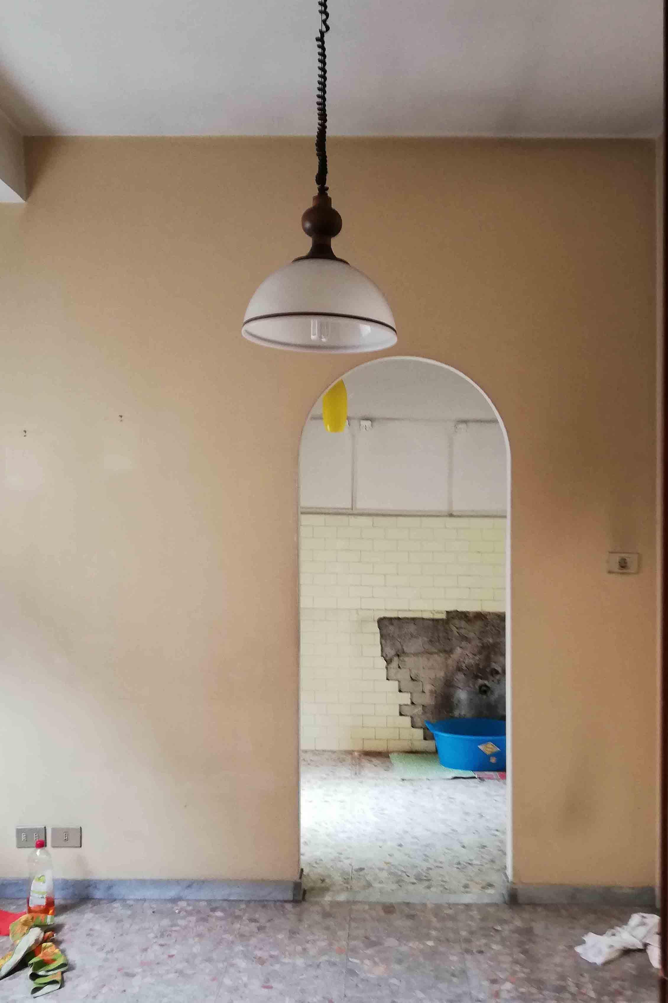 Vista cucina Penguin House Prima dei lavori di Restauro e Interior Design